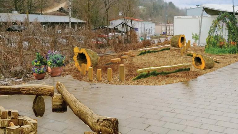 Spielecke Schulhof Waldorfschule Geislingen