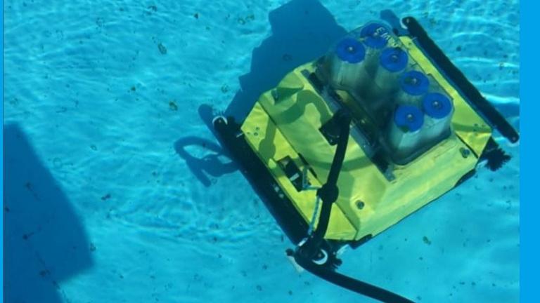 Reinigungsroboter für Schwimmbecken
