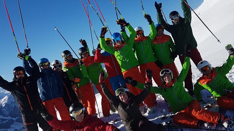 Anschaffung neuer Skianzüge