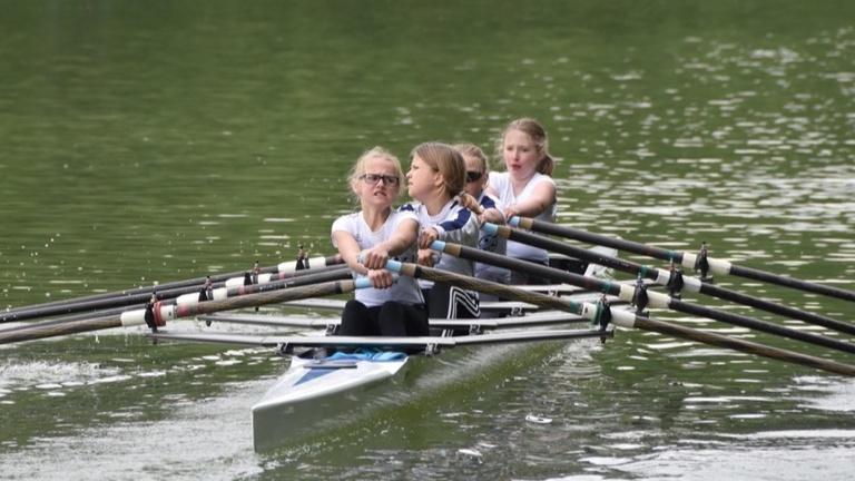 Ein neues Boot für die Ruder-AG und den Sportunterricht