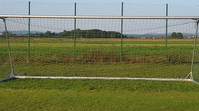 Neue Fußballtore