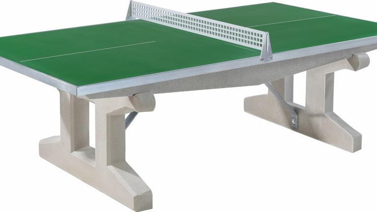 Outdoor Tischtennis bringt Bewegung und macht Spaß