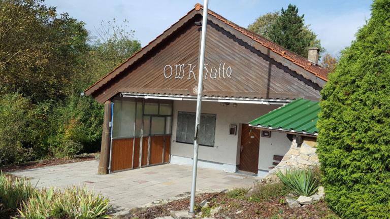 Sanierungsarbeiten an der OWK-Hütte/Platzanlage.