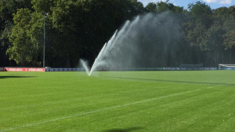 Wasser marsch! Bewässerungsanlage für den SVA