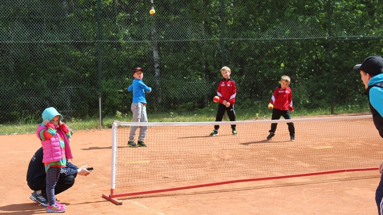 Sanierung zweier Tennisplätze