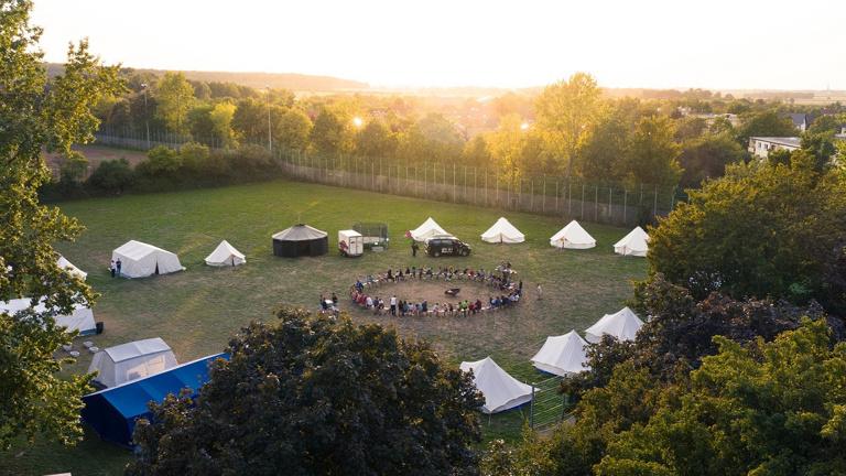 Zelte für die Zeltstadt