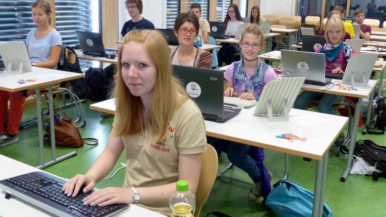 Zeitgemäße PC-Ausstattung für digitale Bildung
