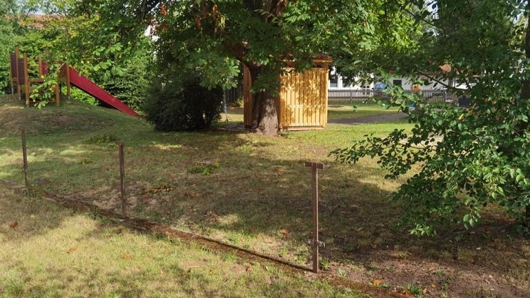 Spielplatz- Zaun
