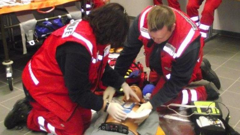 Defibrillator für Notfallhilfe des DRK OV Münzesheim