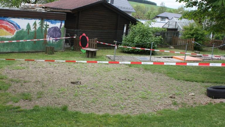 Schaukel für den Kindergarten Regenbogenland Tauperlitz