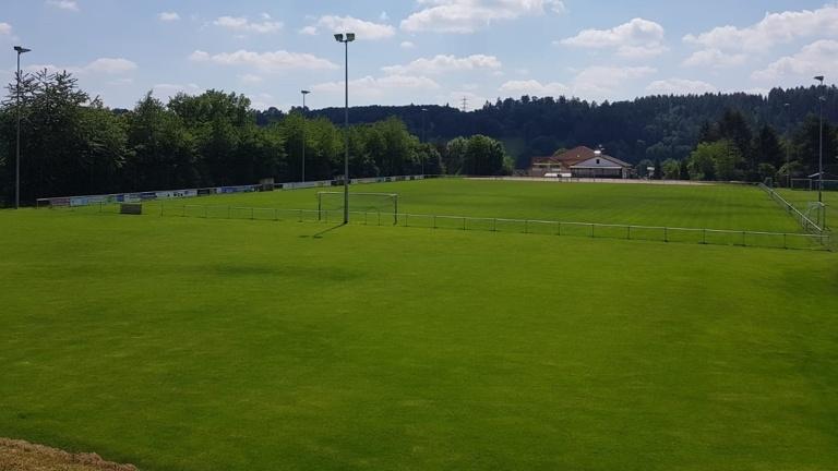 Sportplatz/BALLFANG/Fußweg/Schutzzaun