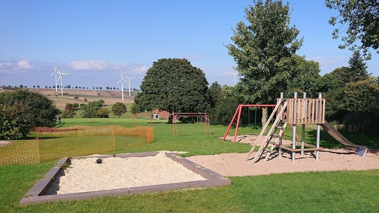 Volksbank: Klettergerüst für unseren Spielplatz Neersen