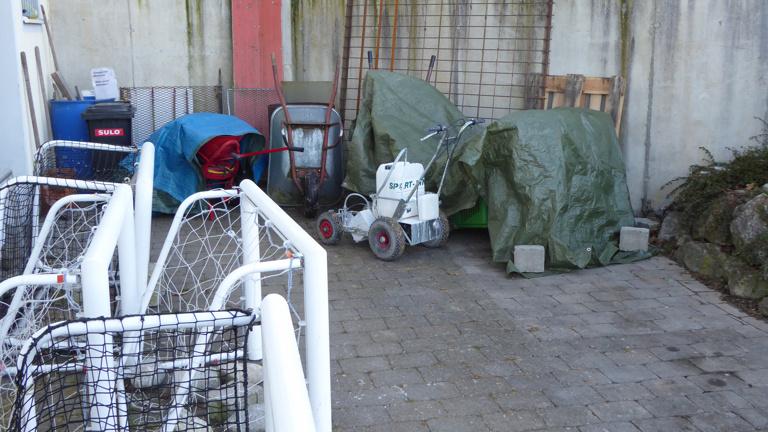 Überdachung Stellplatz für Sportplatzpflegegeräte