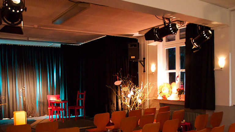 Neustart Theater Halbe Treppe