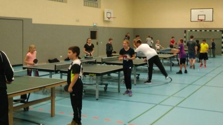 4 neue Tischtennisplatten für das Jugendtraining