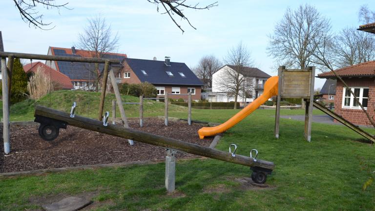 Renovierung des Kinderspielplatzes in Scheidingen
