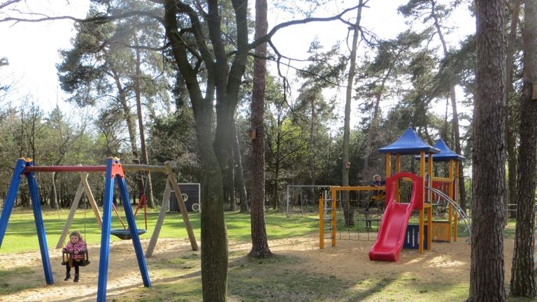 Spielturm für die Kleinen - Spielplatz Am Flüddert