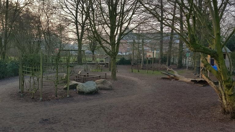 Rutsche für die Außenanlage St-Martin Kindergarten
