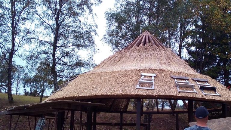 Neues Dach für das Rondell an der Vogelstange