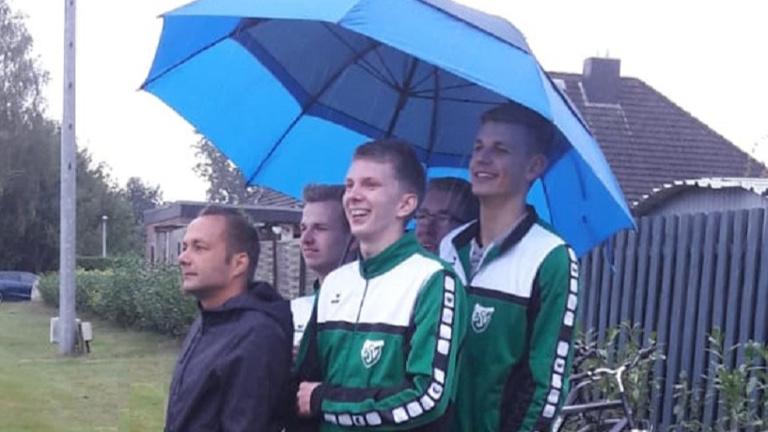Trainerbänke für den Bartelsdorfer SV