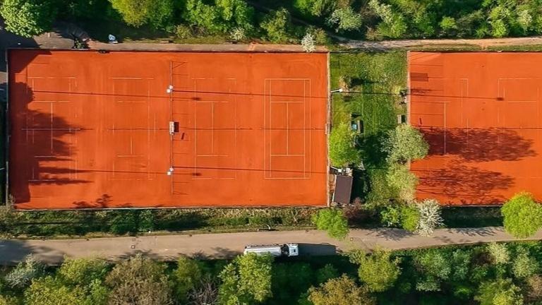 Tennisclub Ebersbach - Moderne Begegnungsstätte