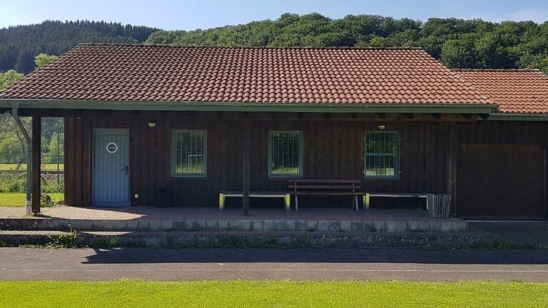 Modernisierung des Vereinsheims und Anbau Tribüne