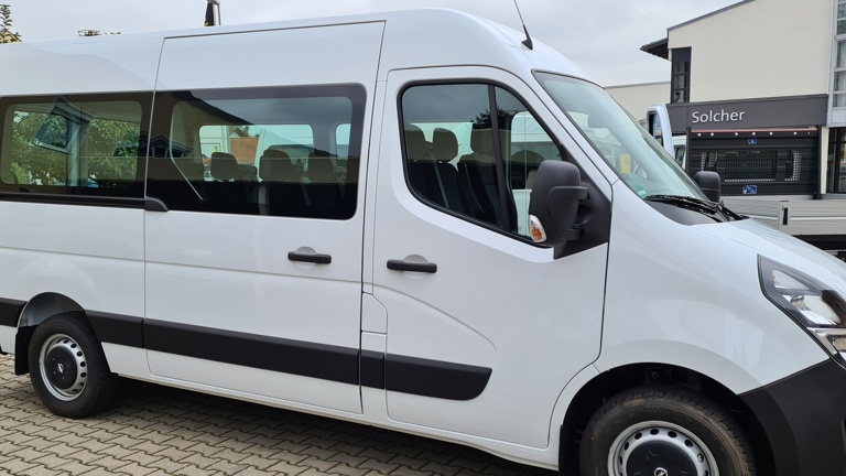 Neuer Vereinsbus für den Alpenverein Pfarrkirchen
