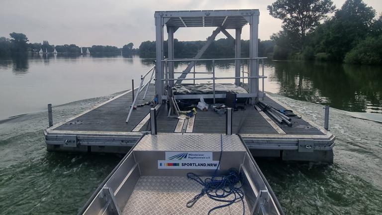 Münsteraner Regattaverein - stärkerer Motor für das Arbeitsboot