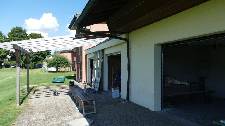 Grillraum mit Vordach