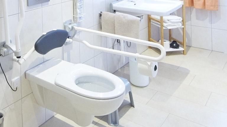 Bau der barrierefreien Toilettenanlage des SSVE