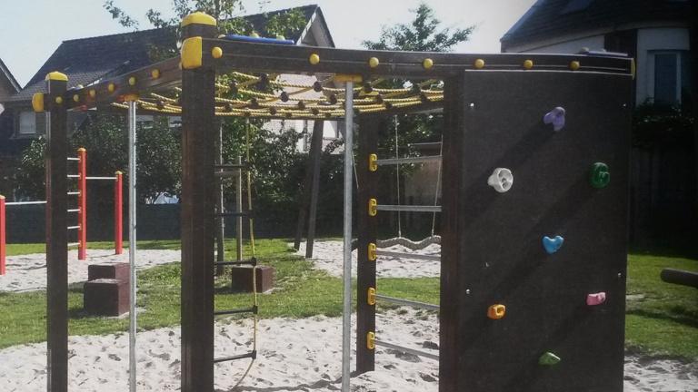 Klettergerüst für den Spielplatz