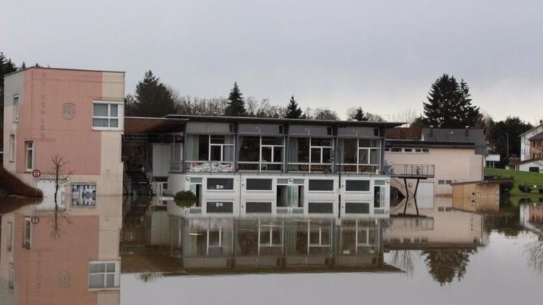 Behebung der Hochwasserschäden am Vereinsheim