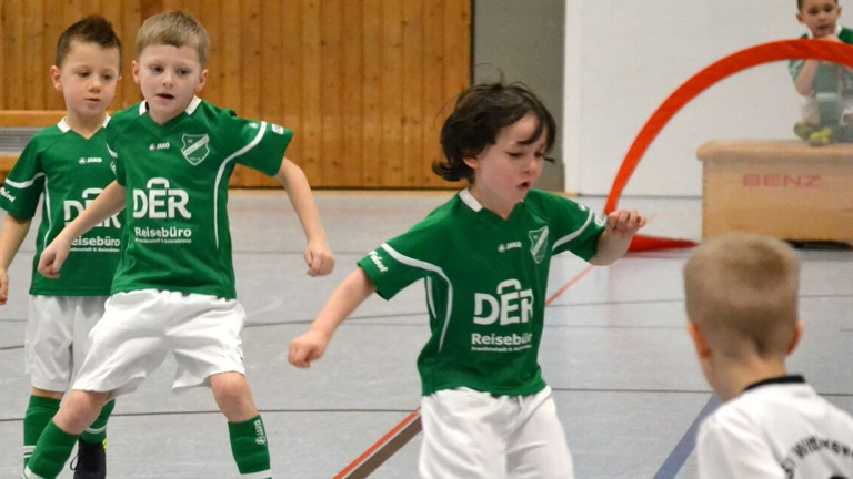 Trikots für Jugendfußball Camp