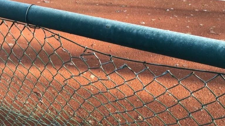 neue Zäune für unsere Tennisanlage