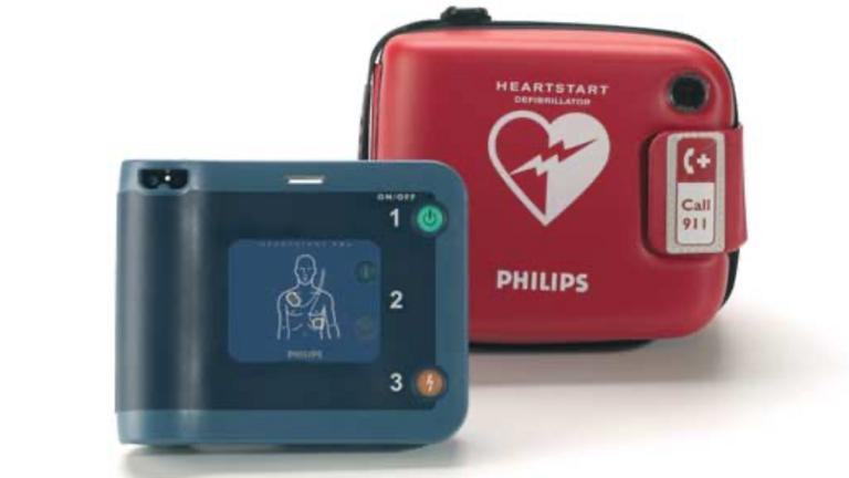 Defibrillator für den SV Horst 08