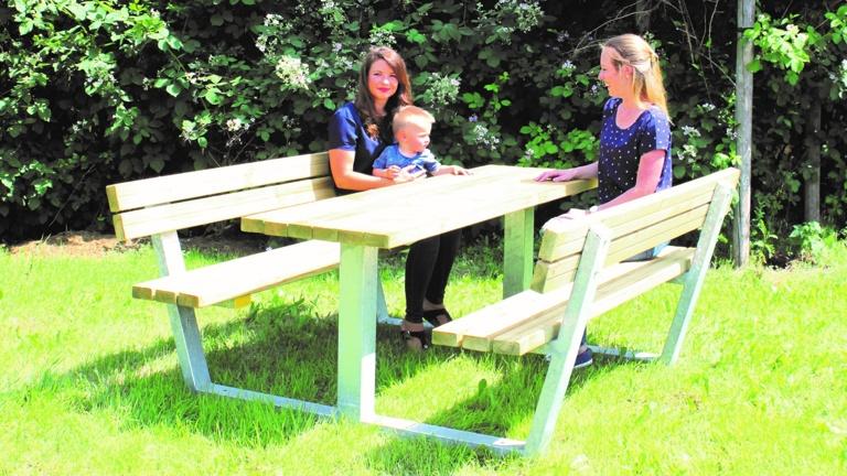 Sitzgruppen für Kinderspielplätze der Gemeinde Waldbreitbach