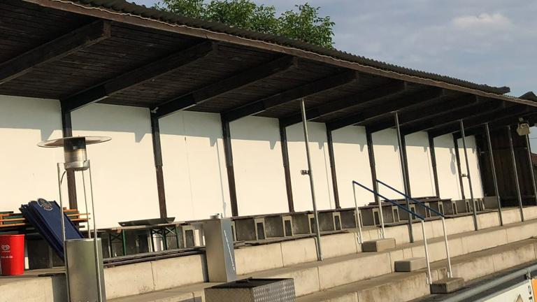 Dachdecker und Spenglerarbeiten Tribüne SVH