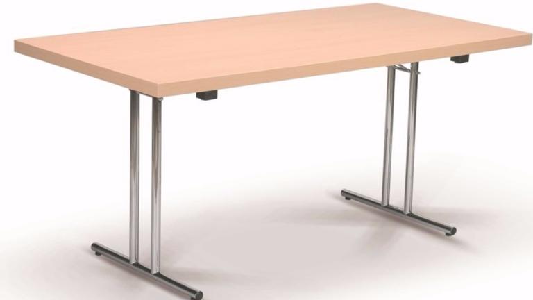 Neue Tische fürs Clubheim