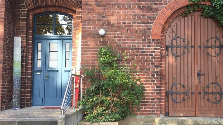Eingangstüren Haus Jona restaurieren