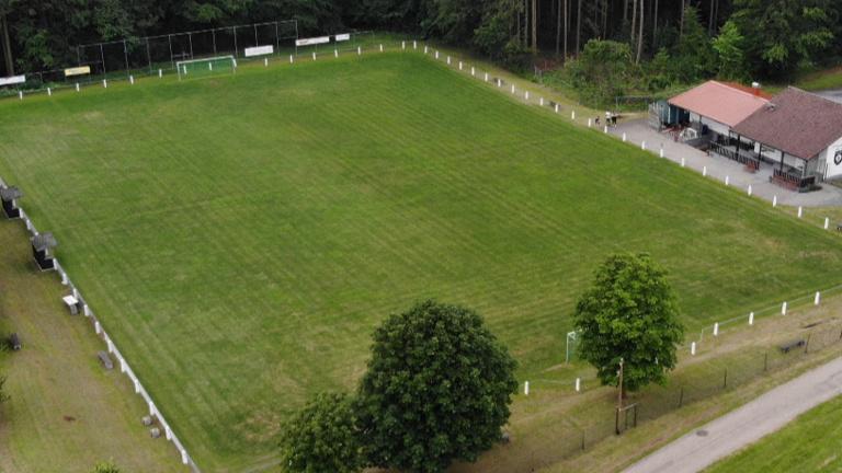 Neuer Rasenmäher für den SV Schollbrunn