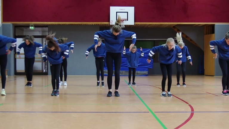 Trainingsanzüge Abteilung Dance