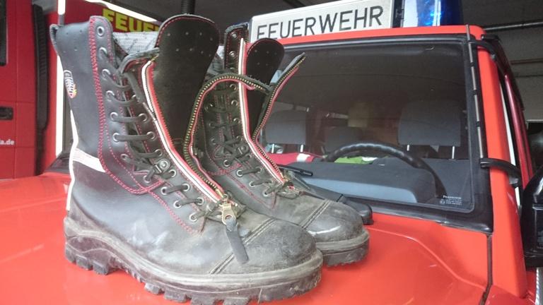 Retter mit trockenen Füßen - Schuhtrockner für die Feuerwehr