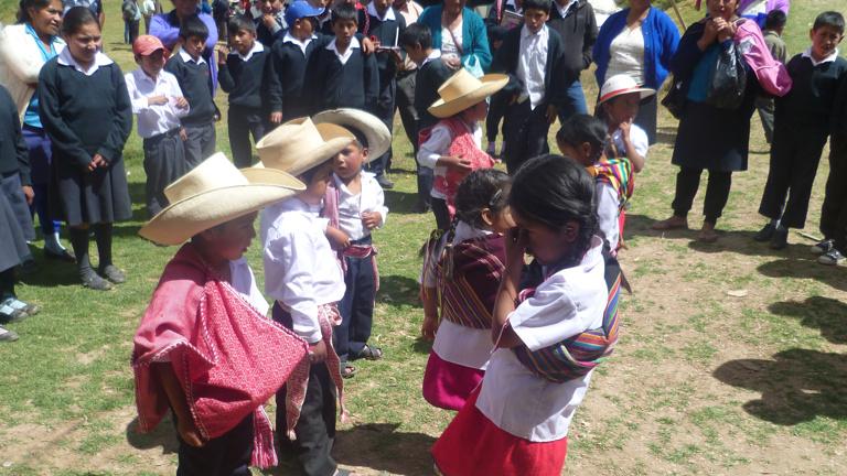 Lebensmittel für Familien von MinistrantInnen in St. Miguel (Peru)