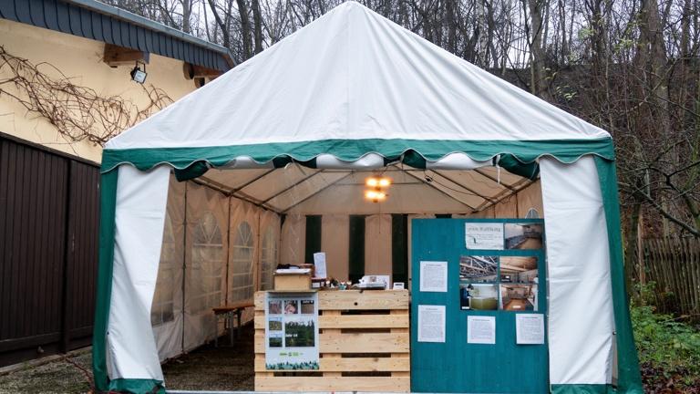 Ersatz für zerstörtes Zelt