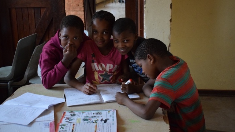 Kulturelles Miteinander in Südafrika unterstützen
