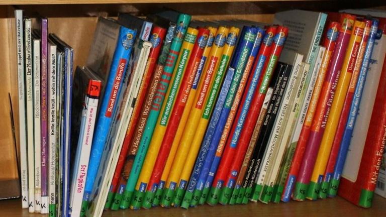 Lesebereich mit offener Bücherei im Kindergarten