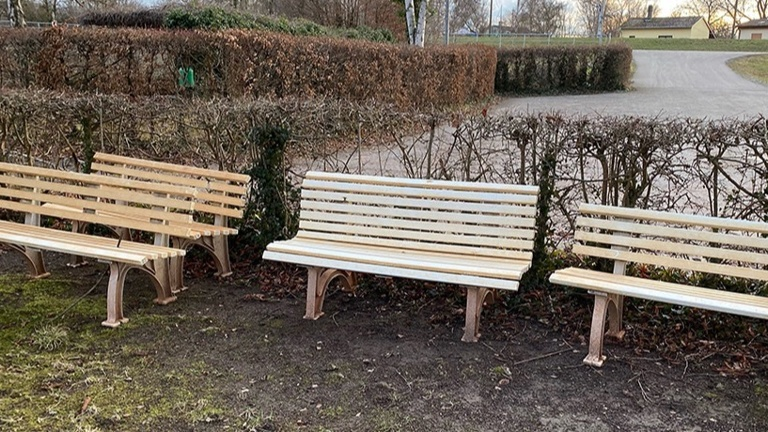 Neue Sitzbänke für unsere Tennisplätze