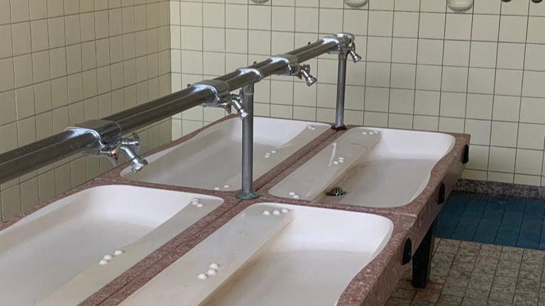 Sanierung Sanitärtrakt Turnhalle Wehrden