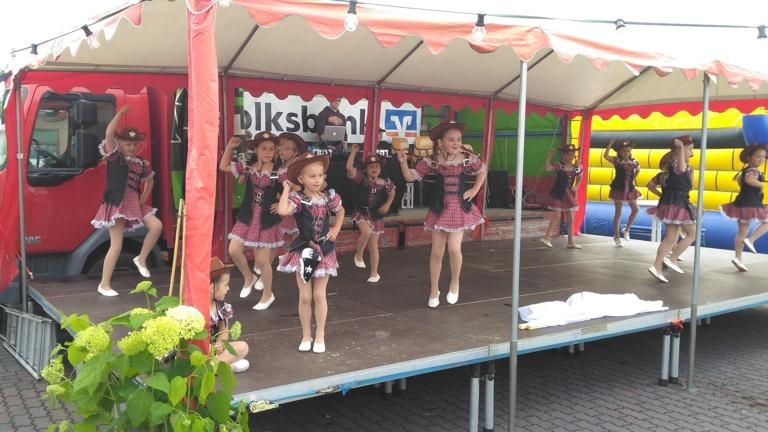 Bühnenelemente für den Pfalzdorfer Karneval