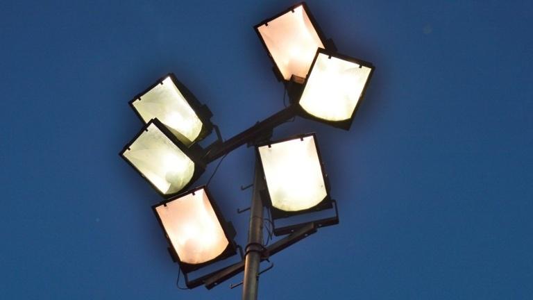 Corona-Hilfe zur Erneuerung der Flutlichtanlage